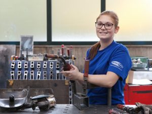 Lehrlinge Metall-Auer, Stahlbau, Metallbau, Monteure, Ausbildung